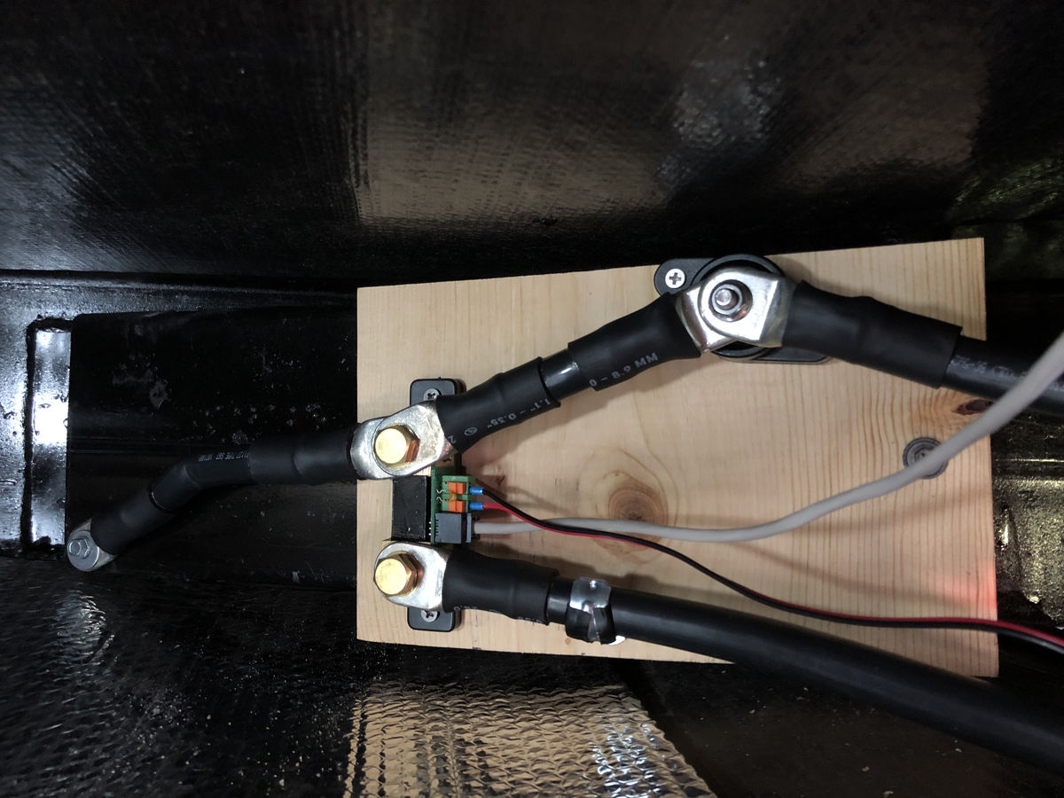 Photo of installed shunt