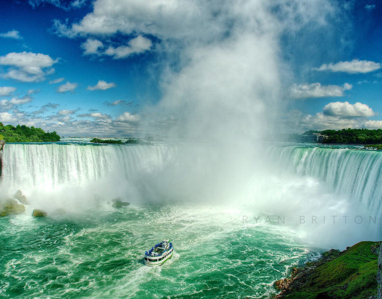 Horseshoe Falls - Photo of Horseshoe Falls on the Niagara river with the Maid of the Mist in the water